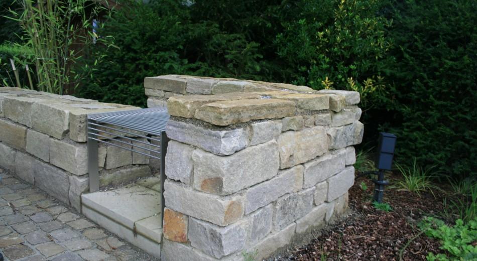 Ruhrsandsteinmauern für mehr Natürlichkeit.