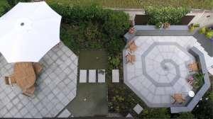 Schröer Garten- und Landschaftsbau Gartenideen zeigt Ihnen eine Terrasse aus der Vogelperspektive.