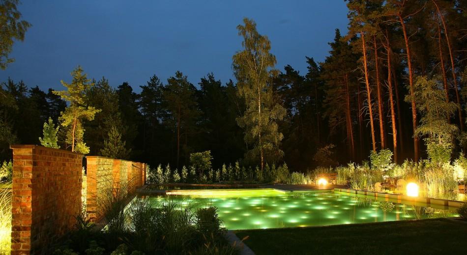 Schröer Garten- und Landschaftsbau zeigt Teichbeleuchtung
