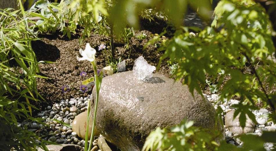 Quellsteine im Garten