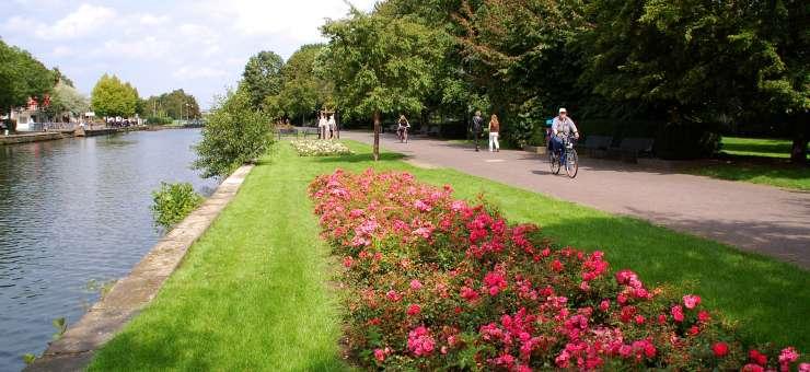 Fahrradweg entlang der Ruhr.